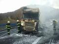 Ďalší požiar kamióna na slovenských cestách: Kremnické bane sú uzavreté