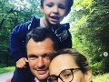 Monika Absolonová s partnerom a starším synom