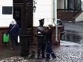 Mladík dal facku soche: Polícia urobila nečakaný krok, o VIDEU debatuje celá krajina