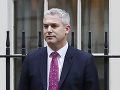 Veľká Británia má nového ministra pre brexit: Dominica Raaba nahradí tento muž