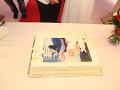 Takúto tortu mali novomanželia Martin Jakubec a Božanka.
