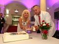 Martin Jakubec spolu s manželkou Božankou rozdali tortu.