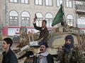 Radosť v jemenskom meste Hudajda: Šiiti odovzdali moc nad prístavom vládnemu námorníctvu