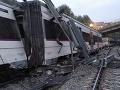 Vykoľajenie vlaku v Indii: Prasknutá koľajnica spôsobila smrť siedmych ľudí