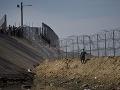 Na americkej strane hranice s Mexikom to vrie: Stihli zatknúť už takmer 50 migrantov