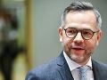 Nemecký politik, ktorý kritizuje Orbána: Stretnutie s vládnymi predstaviteľmi v Budapešti