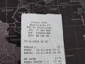 Vyfotený účet za taxík z Kramárov do Vrakune.