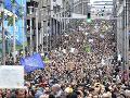 VIDEO Neodradilo ich ani zlé počasie: Masívne protesty v Bruseli, mesto prepísalo štatistiky