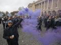 FOTO Francúzsko obrátené naruby: Protesty pokračujú, mestá hore nohami