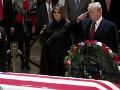 Donald a Melania Trumpovci si uctili bývalého republikánskeho prezidenta Georgea H. W. Busha