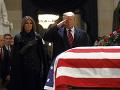 Úmrtie exprezidenta Georgea Busha staršieho: Trump osobne kondoloval pozostalej rodine