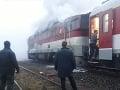 VIDEO Plamene na železnici: Ďalšiemu rýchliku ZSSK z Košíc do Bratislavy horel rušeň