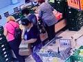 Polícia zverejnila video krádeže.