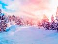 Zima opäť udrie v plnej sile: Varovanie meteorológov, v utorok bude na viacerých miestach snežiť