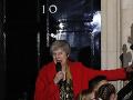 Hlasovanie britských poslancov znie jednoznačne: Mayová by mala radšej zatvoriť oči