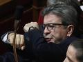 Macronove riešenie nenašlo úrodnú pôdu: Francúzski ľavicoví i pravicoví predstavitelia ho zavrhli