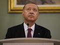 Erdogan vyzýva svet: Vysielajte zábery aj z parížskych protestov, nielen z Turecka