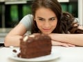 Pozor na to, na čo myslíte, keď jete! Môžete kvôli tomu skončiť s obezitou