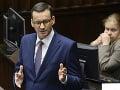 Poľský premiér Morawiecki zostáva: Ustál hlasovanie parlamentu o dôvere