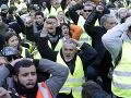 Zahynul demonštrant zo skupiny žltých viest: Na ceste ho zrazil kamión