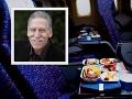 FOTO Pasažier si prečítal varovanie na menu v lietadle a neveril vlastným očiam