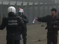 VIDEO Búrlivý protest v Bruseli: Tisíce ľudí proti migračnému paktu, tvrdý zásah polície