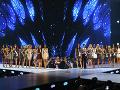 Finalistky stoja na pódiu počas prestížnej súťaže krásy Miss Universe 2018