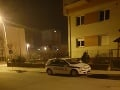 Autičkári v Pezinku majú terorizovať ľudí. Tentokrát sa údajne pokúšali podpáliť vozidlo, no nevyšlo im to.