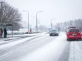 Meteorológovia VARUJÚ pred hrozbou pre vodičov: Mrzne na väčšine ciest