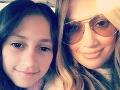 Hviezdna JLo má doma svoj klon: S rozkošnou dcérou si zahrali v klipe!