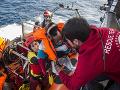Pri pobreží Turecka sa potopil čln prevážajúci migrantov: Zahynulo osem osôb