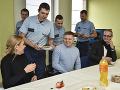 Saková s Ficom navštívili na Štedrý deň hasičov: Tí ich pohostili vlastnou kapustnicou