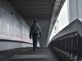 Dráma na najznámejšom moste v Bratislave: Muž chcel skoncovať so životom, rozhodli sekundy