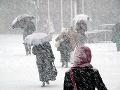 Na Slovensko sa valí snehová nádielka: Dávajte si pozor aj na silný vietor