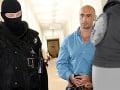 Proces v kauze vraždy mafiánskeho bossa Sýkoru sa nekonal: Hospitalizácia jedného z obžalovaných!