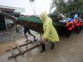 Na turistický raj udrela tropická búrka: VIDEO Dovolenkári sa boja o životy, výstraha pre Slovákov!