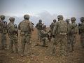 Spojené štáty do konca apríla stiahnu polovicu vojakov z Afganistanu, tvrdí Taliban
