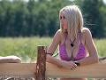 Karin už na Farme ukázala, že ten hore na jej prsiach nešetril.