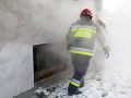 Rušný večer hasičov, v Malackách zasahovali pri požiari penziónu