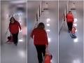 Učiteľa ťahala žiaka po chodbe.