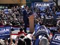 Bývalý Obamov minister skladá zbrane: Julián Castro odstúpil z prezidentského súboja