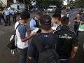 Policajti neverili vlastným očiam: V zastavenej dodávke bolo natlačených 58 migrantov