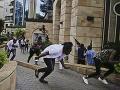 VIDEO Útok na hotel v Keni zmenil mesto na bojovú zónu: 14 mŕtvych, medzi obeťami sú cudzinci