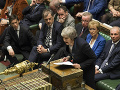 Theresa Mayová počas včerajšieho zasadania britského parlamentu.