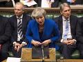 PRÁVE TERAZ Corbyn neuspel, Mayová prežila hlasovanie o nedôvere