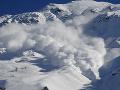 Výstraha pre turistov a lyžiarov: POZOR, Vysoké Tatry čelia lavínovému nebezpečenstvu
