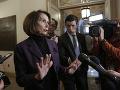 Spor medzi kongresmanmi a Trumpom pokračuje: Pelosiová ho obvinila, že ohrozil ich bezpečnosť