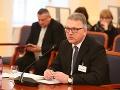 Pred parlamentný výbor predstúpil sudca Duditš a profesor Dulak