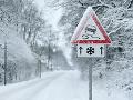 Dobré správy pre slovenských vodičov: Cesty sú zjazdné, výstraha pre turistov v horách