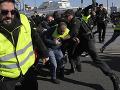 Museli skloniť hlavu a súhlasiť s vládou: Šesťdňový protest nahnevaných taxikárov sa skončil